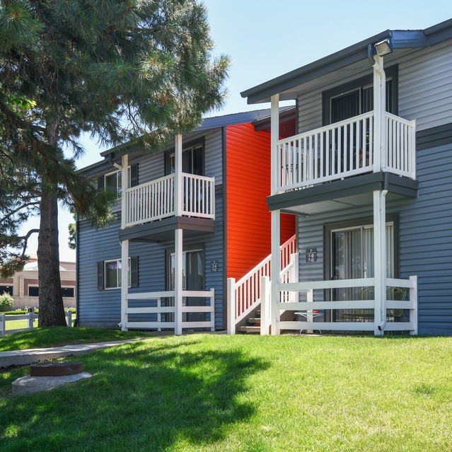 Lowry Park Apartments: Apartments In The Denver Area